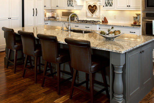 The experts at Knight Carpet & Flooring know that the right countertop can bring new life into your bathroom, kitchen or work space.